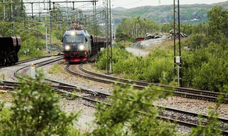åka tåg till björkliden